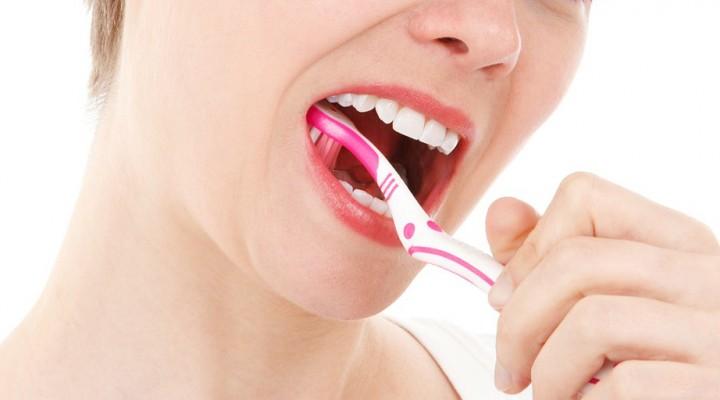 Un estudio desarrollado por Cualtis concluye que menos del 5% de trabajadores tiene las encías sanas