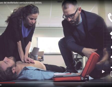 Cómo manejar correctamente un desfibrilador ante una parada cardiaca