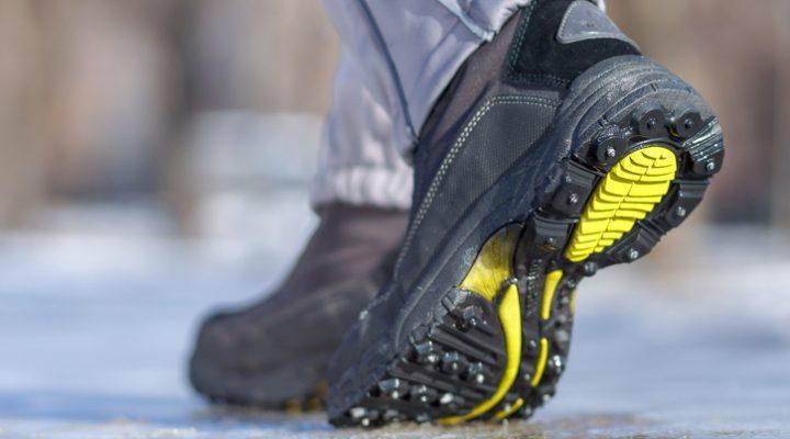 Calzado antideslizante en la prevención de lesiones por caídas
