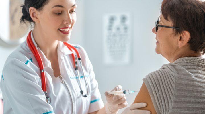 La vacunación contra la gripe, te protege a ti y a los demás